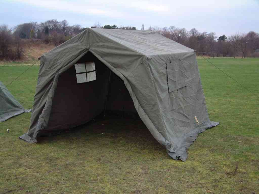 Canvas tents withstand strong winds, are sturdy and suitable for large groups.